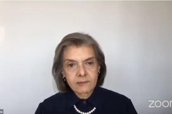 Ministra Cármen Lúcia defende a ciência no combate à pandemia de coronavírus