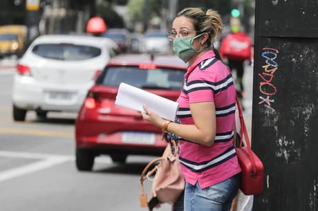 Em 24 horas, país registrou 188 novos óbitos; casos confirmados da doença somam 30.425, informa o Ministério da Saúde nesta quinta-feira